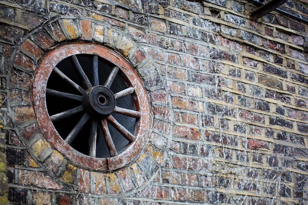 Wheel in the wall